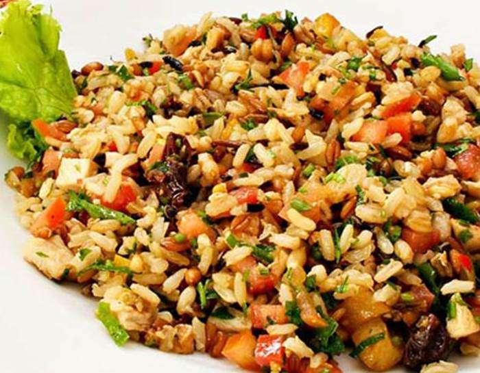 salada-de-arroz-com-berinjela