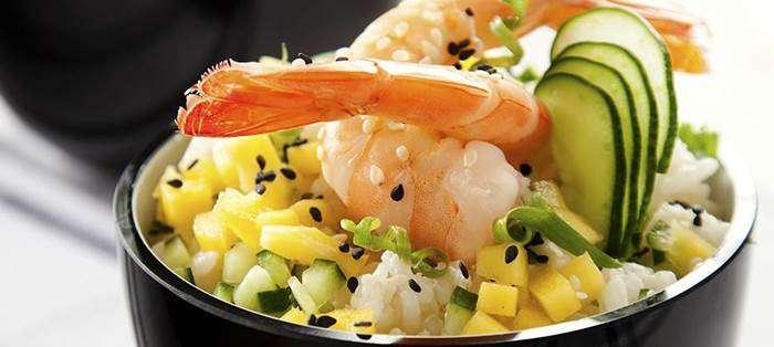 salada-de-arroz-com-sush