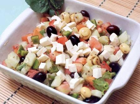 salada-grega-com-cogumelos