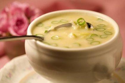 sopa-alho-poro-batata