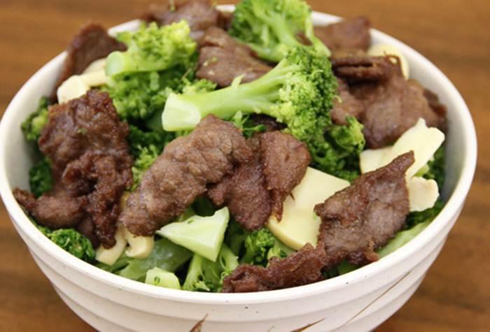 carne-com-brocolis