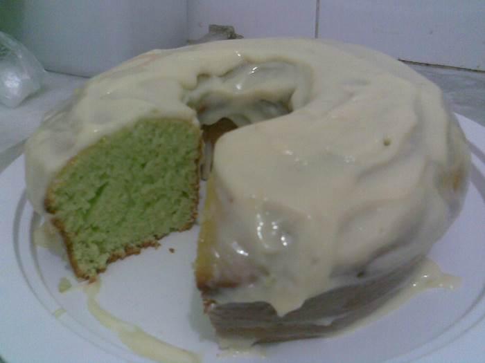 bolo-de-limao-com-gelatina
