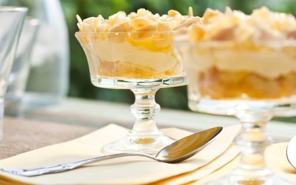 merengue-de-abacaxi-com-amendoas