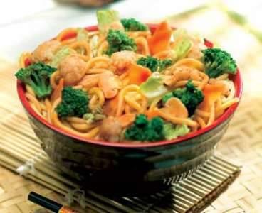 macarrao-oriental-com-legumes
