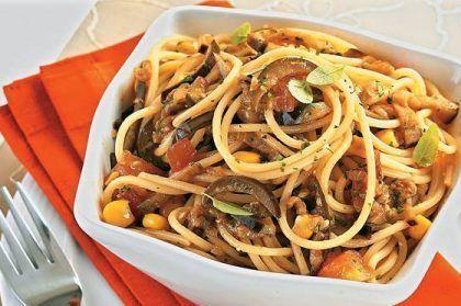 receita-espaguete-ao-molho-de-berinjela
